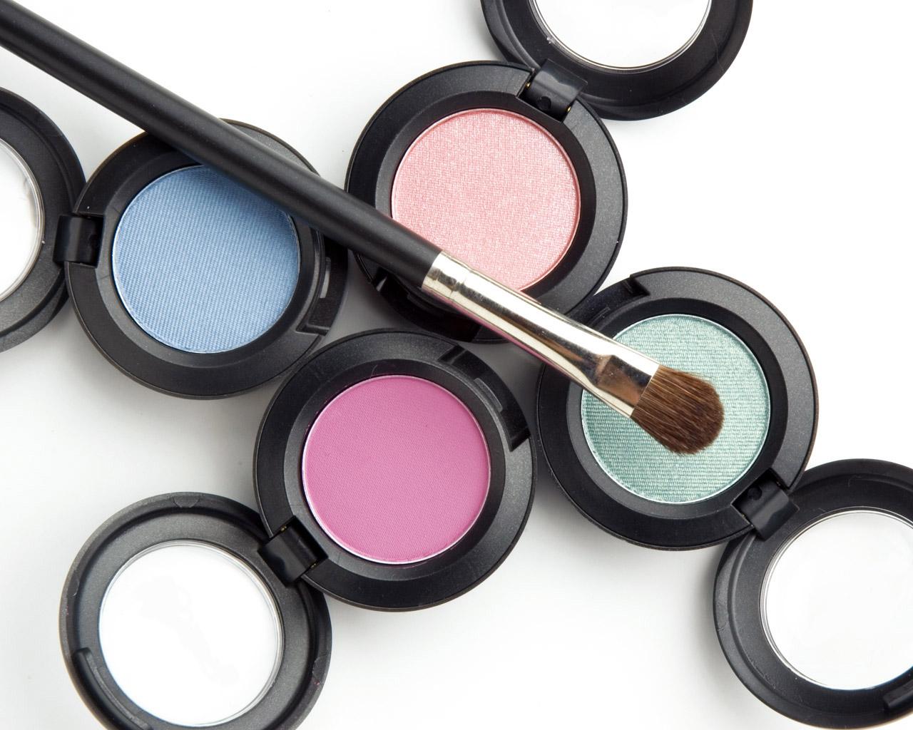Cosmetics (9)